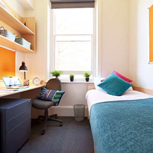 Small En-Suite Room